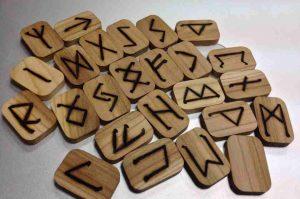 Wikinger - kinderleicht erklärt: Runenplättchen