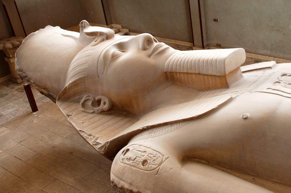 Pharao - Ramses II.: Kopf einer Ramses II Statue