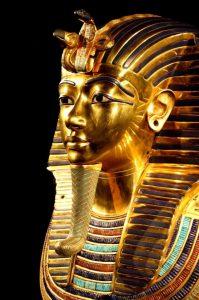 Statue eines Pharao Kopf golden mit Insignien