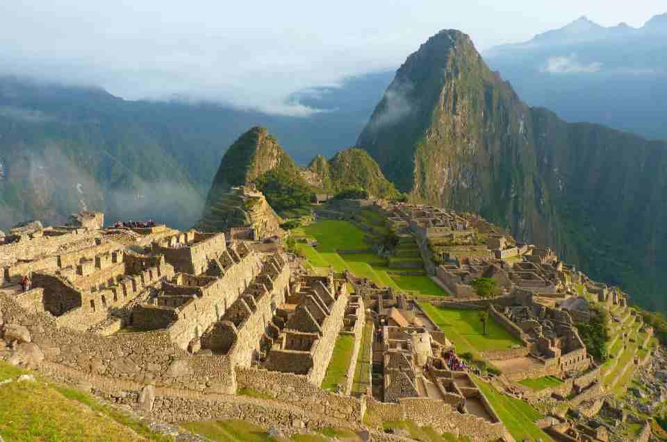 Machu Picchu wolken behangener Himmel