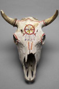 Sioux Bisonschädel für Sonnentanz Oglala Teton Sioux, Pine Ridge Reservation, South Dakota um 1980 © Museum für Völkerkunde Wien