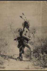 Mato Wamyomni (Whirlwind Bear), Teton Sioux, 1900 © Museum für Völkerkunde Wien Foto: Frank A. Rinehart