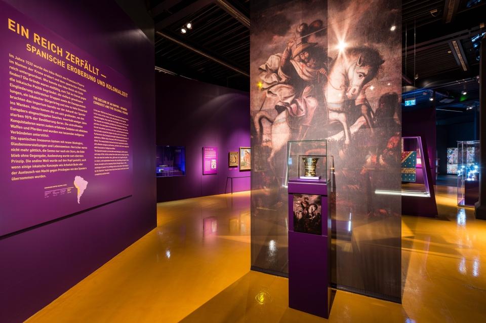 Ausstellungsraum Christianisierung Inka Ausstellung - Copyright: Andreas Jacob