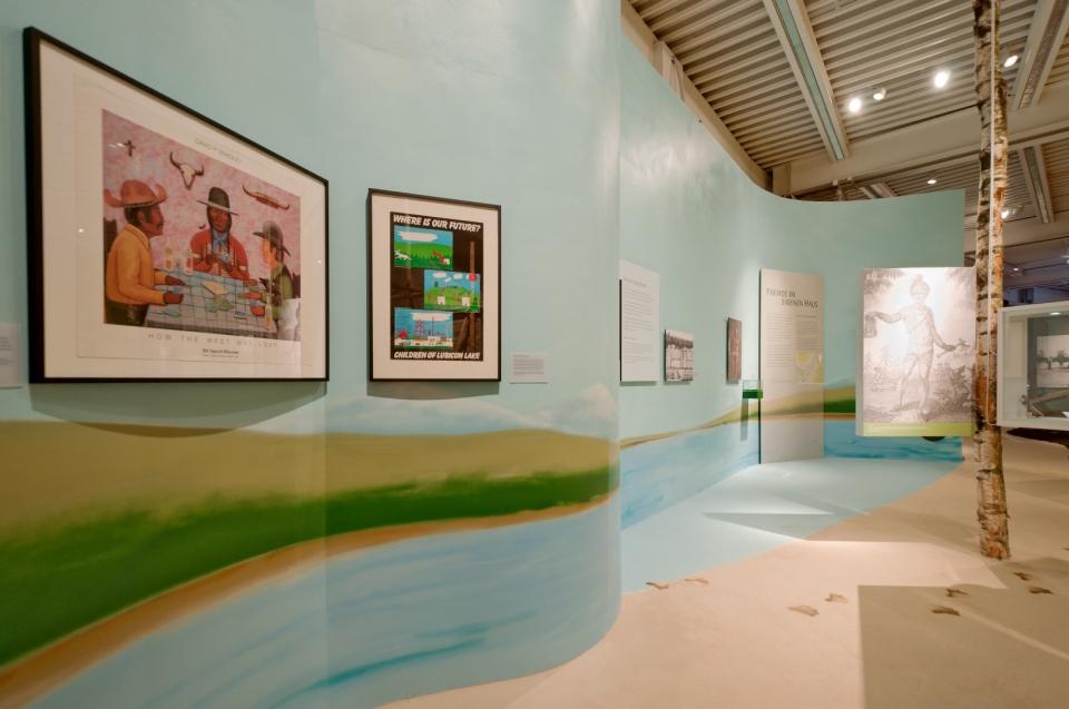 Ausstellungsraum Fremde im Eigenen Haus Indianer Ausstellung - Copyright: Andreas Jacob