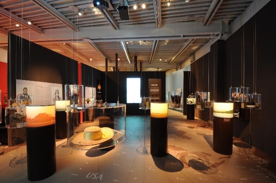 Eingangsinszenierung Indianer Ausstellung - Copyright: Andreas Jacob