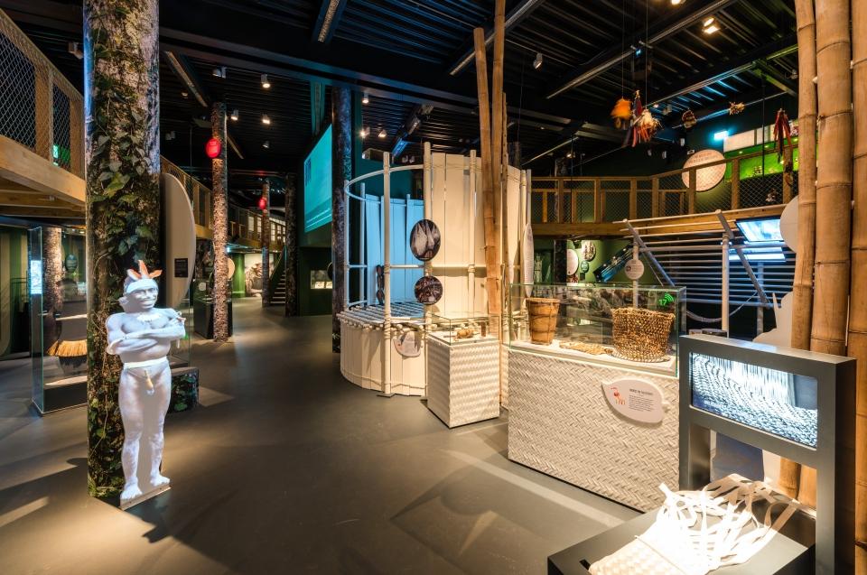 Eipo Regenwald Ausstellung - Copyright: Andreas Jacob