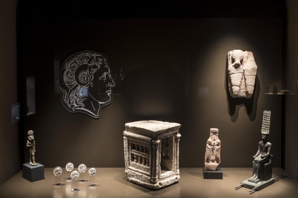 Exponate Gottheiten Alexander Ausstellung - Copyright: Andreas Jacob