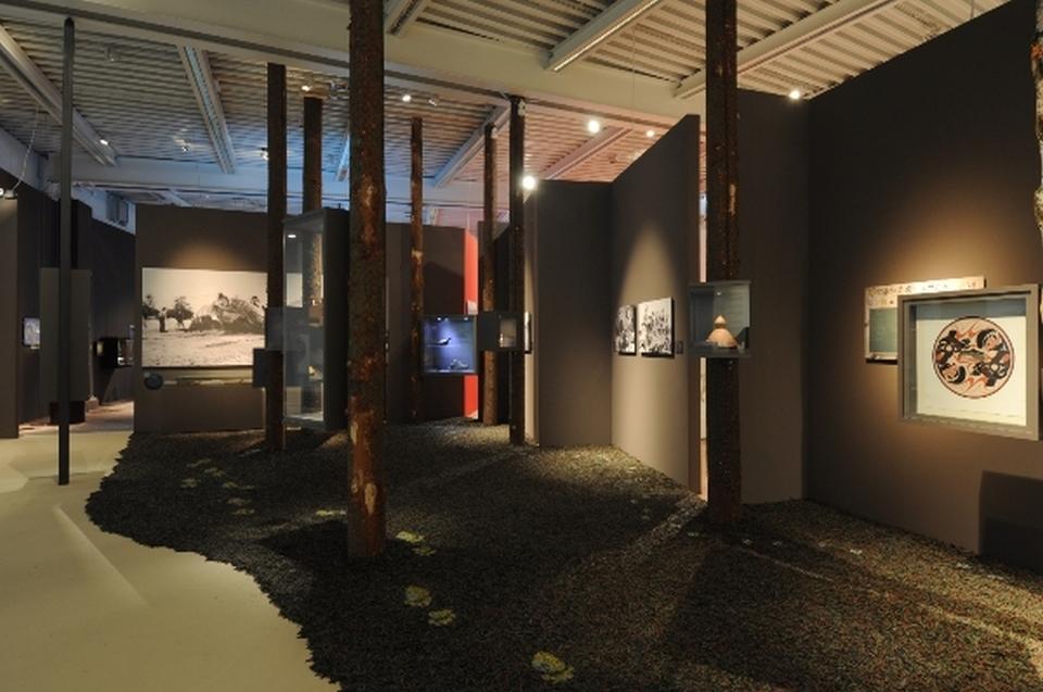 Raum Begegnungen Indianer Ausstellung - Copyright: Andreas Jacob
