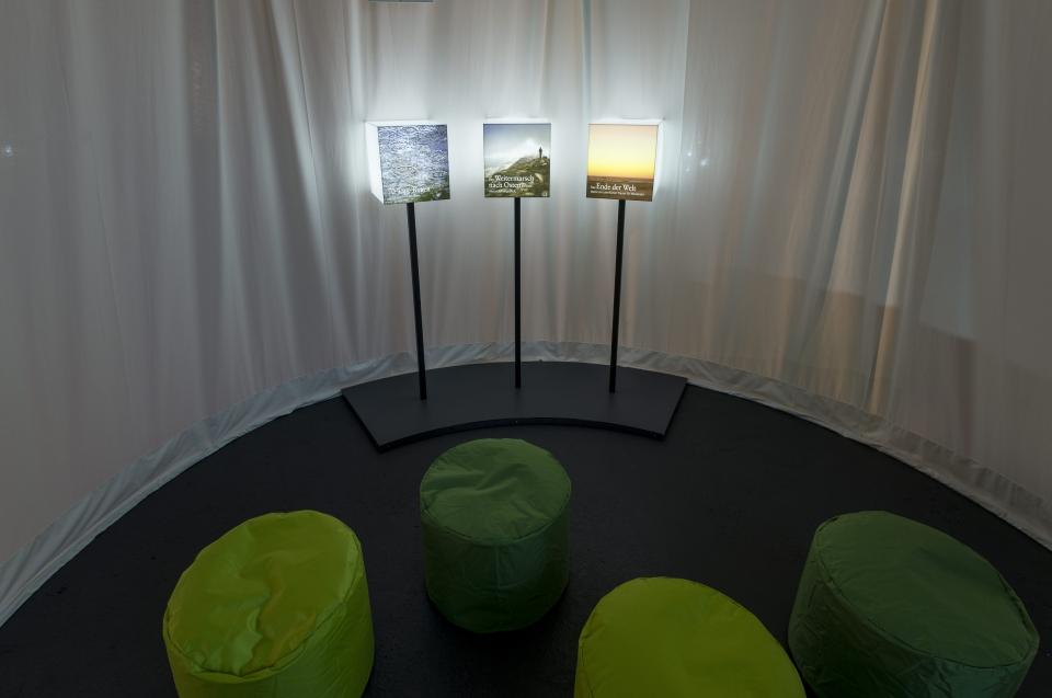 Regenzeit Alexander Ausstellung - Copyright: Andreas Jacob