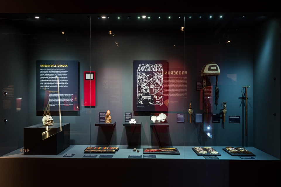 Waffenvitrine - Inka Ausstellung - Copyright: Andreas Jacob